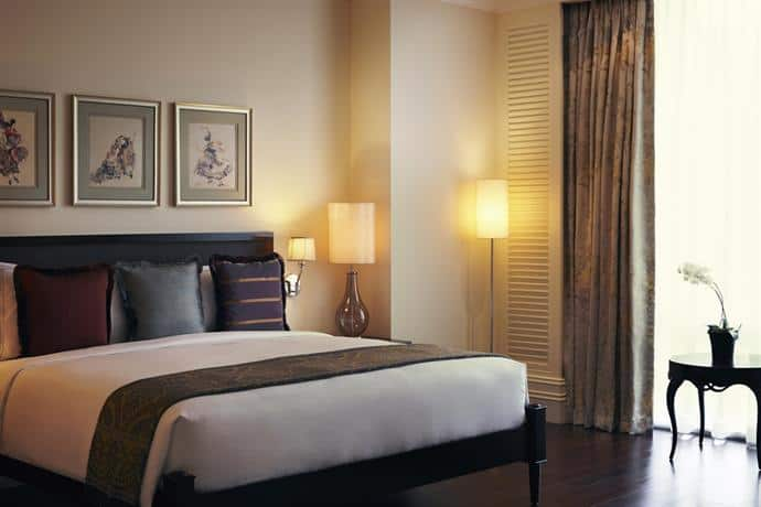 Luxury Stay in Manila - Raffles Makati