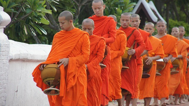 Things to do in Luang Prabang - watch the alms giving ceremony