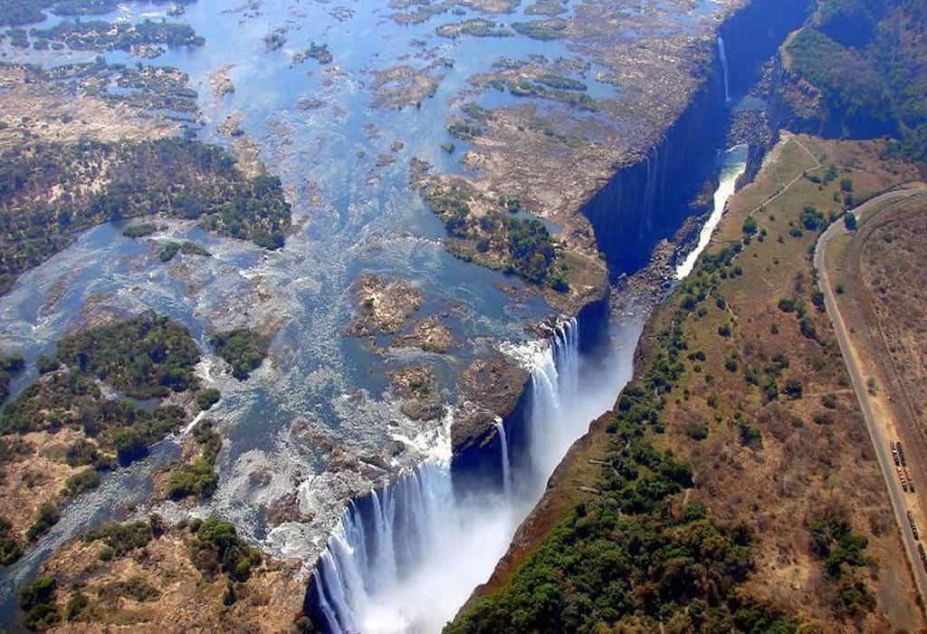 Best Place To Stay To Visit Victoria Falls Zimbabwe Zambia