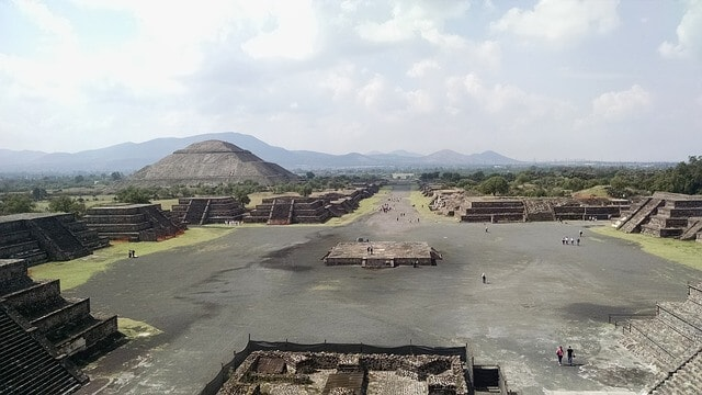 The best places to visit near mexico city - teotihuacan