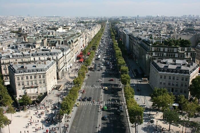 Free Paris Things To Do - Paris tourist attracations - The Champs-Élysées