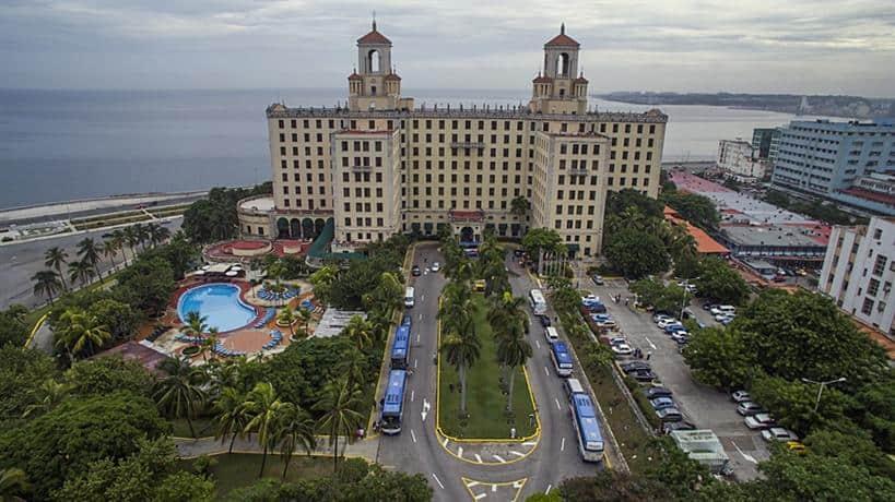 Aerial view of the front facade of Hotel Nacional de Cuba