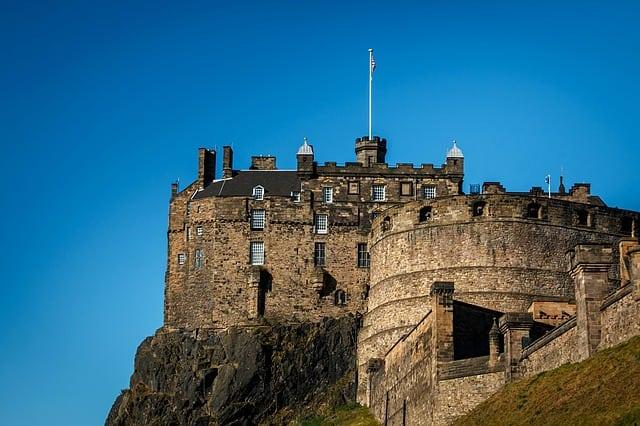 Edinburgh places to visit - edinburgh castle