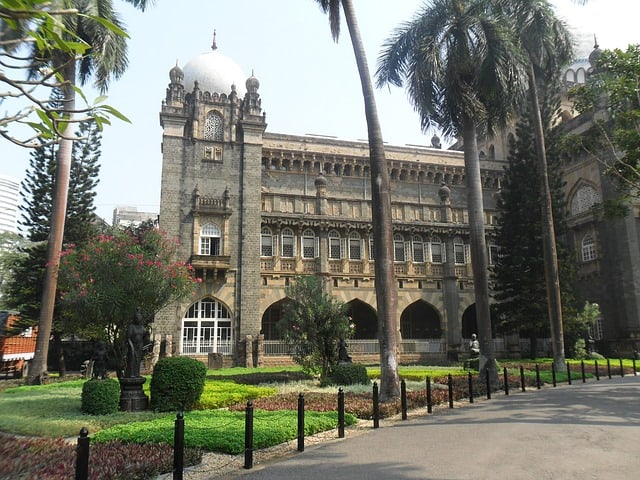 Interesting things to do in Mumbai - Heritage Walk
