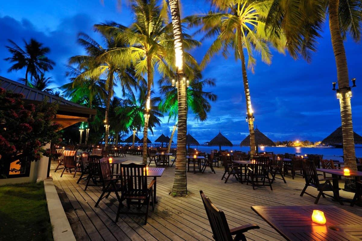 Main Bar on Sun Island