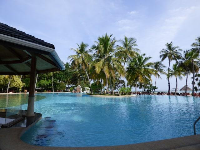 Resort Pool & Swim Up Bar
