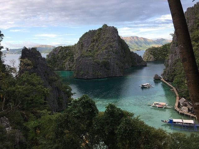 Palawan What to do - take a Group Tour in the Philippines