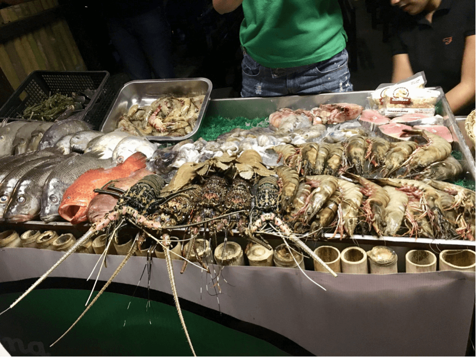 Things to do in Coron - try delicious seafood