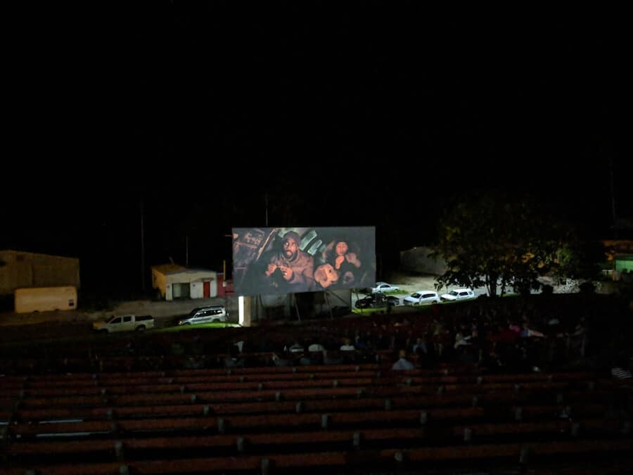 Outdoor Cinema Christmas island (c) MakTimeToSeeTheWorld