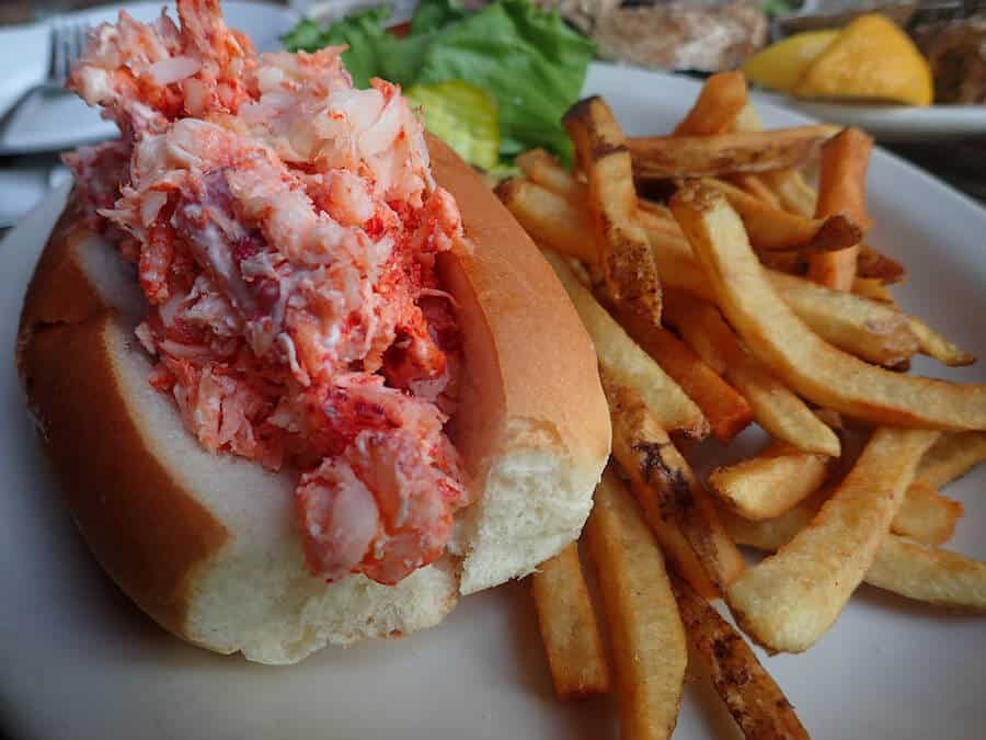 What to Eat in Boston - Lobster Roll!