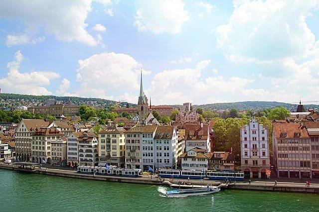 How to get around Zurich