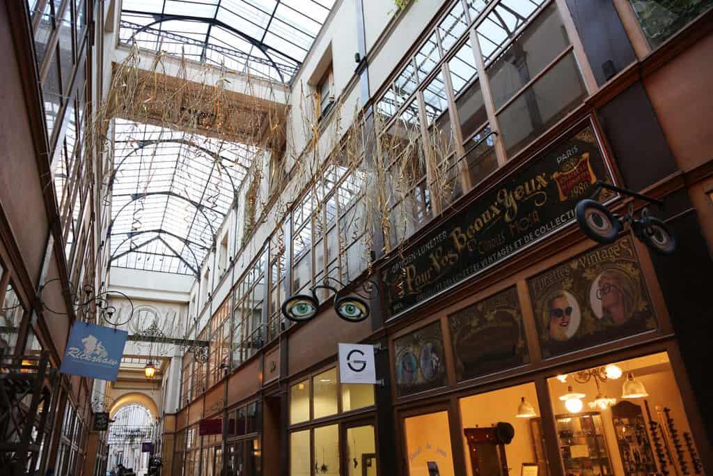 Explore the covered passageways of Paris