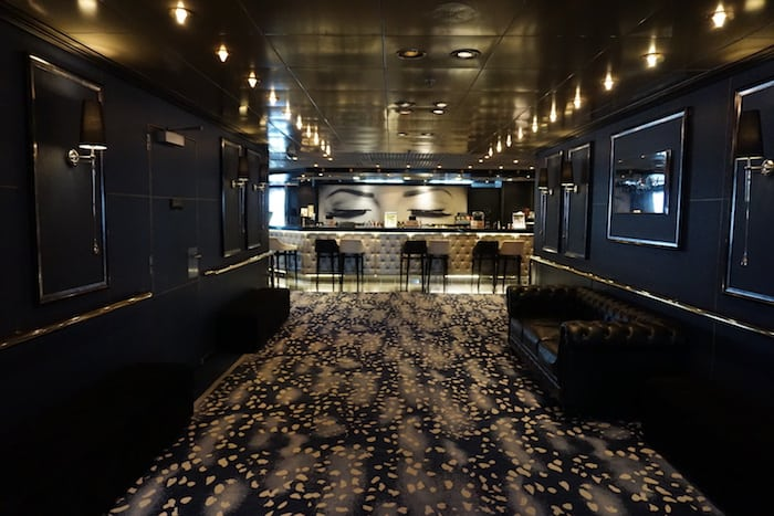 The Blue Room Bar on PO Cruise