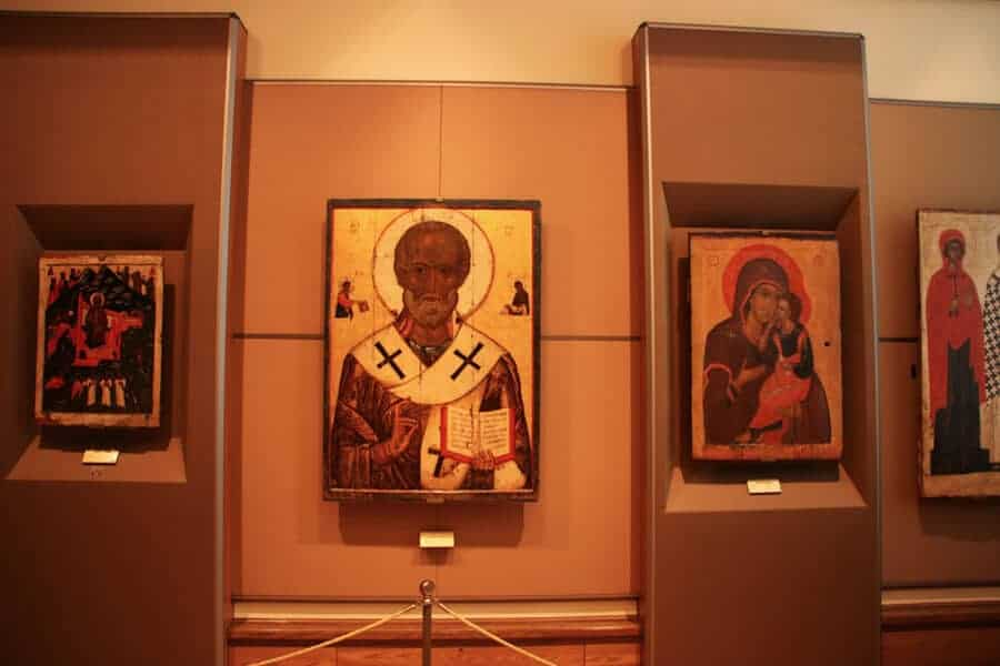 Things to do in Moscow. Russian icons in Tretyakov gallery