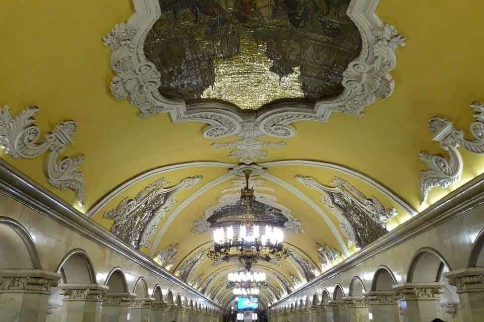 What to do in Moscow - visit Komsomolskaya metro station