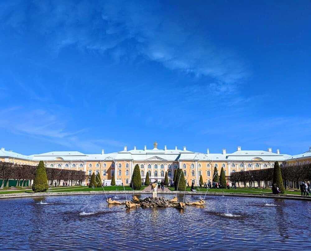 Peterhof Palace (c) maketimetoseetheworld