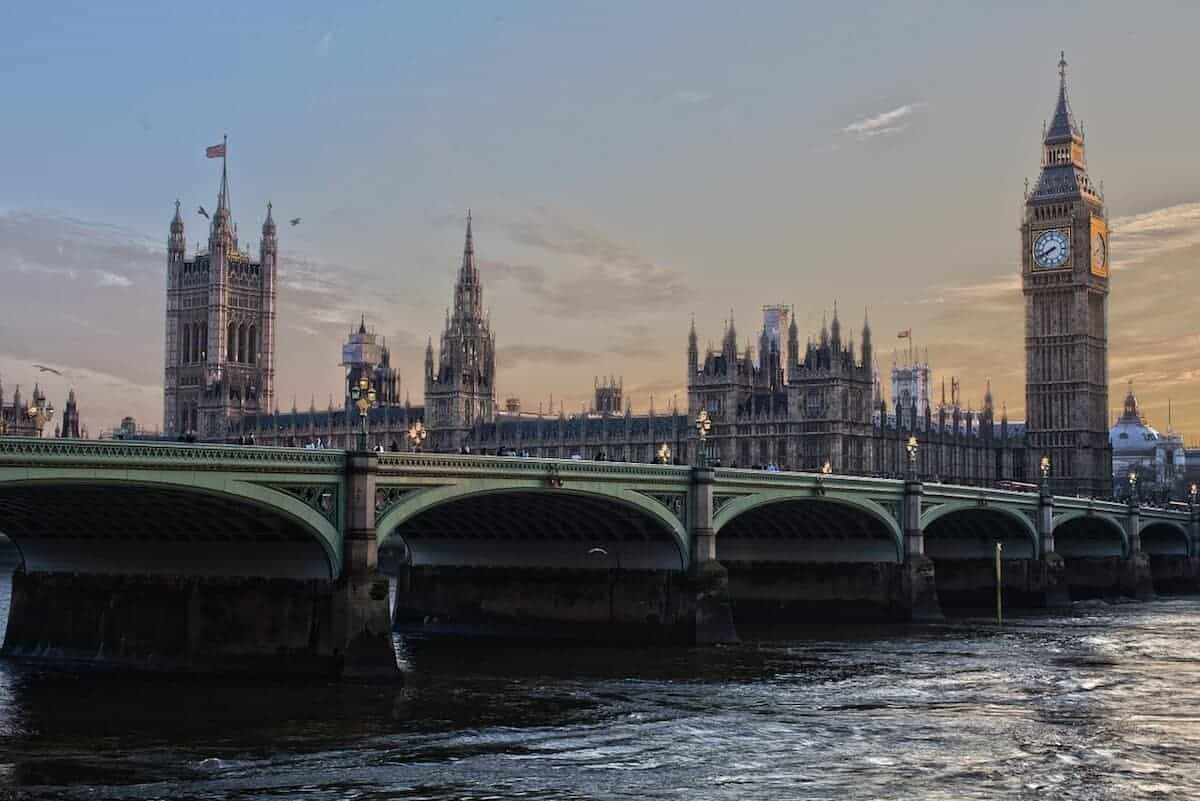 48 Hours in London - Things to Do, Where to Stay & What to Eat!