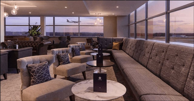 No 1 Lounge Gatwick South