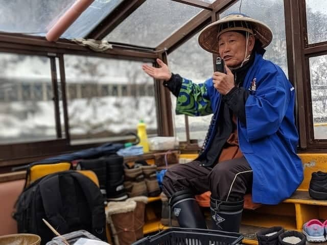 Capaign singing the river song on board a cruise down the Mogami River in Yamagata Prefecture
