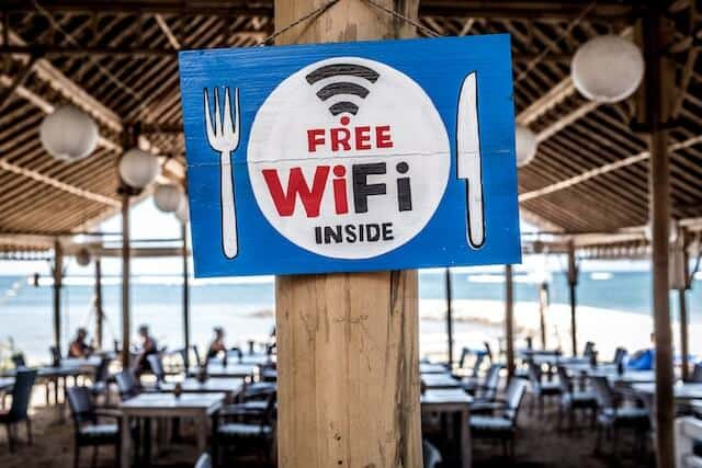 Mobile Hotspots & Portable Wifi Devices for Travel - Reviews and Comparisons