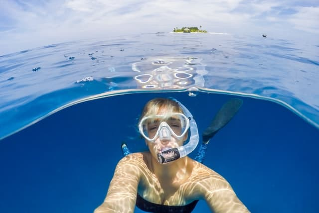 How not to look like an idiot when snorkeling