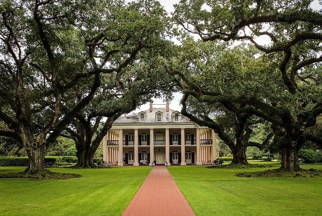 Things to do in New Orleans - Oak Alley Plantation
