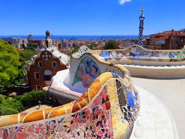 Colourful mosaic rooftop viewing platform in Park Guell