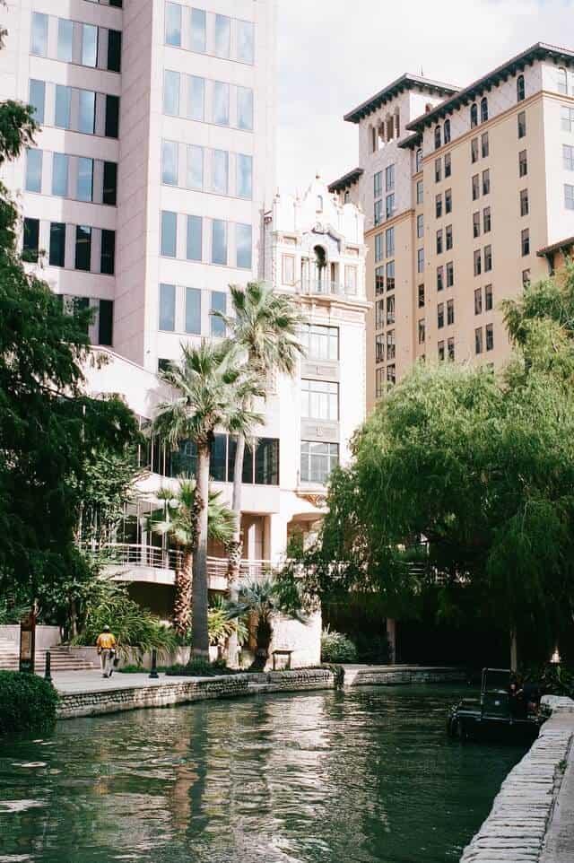 Hotels along the riverwalk in San Antonio Texas