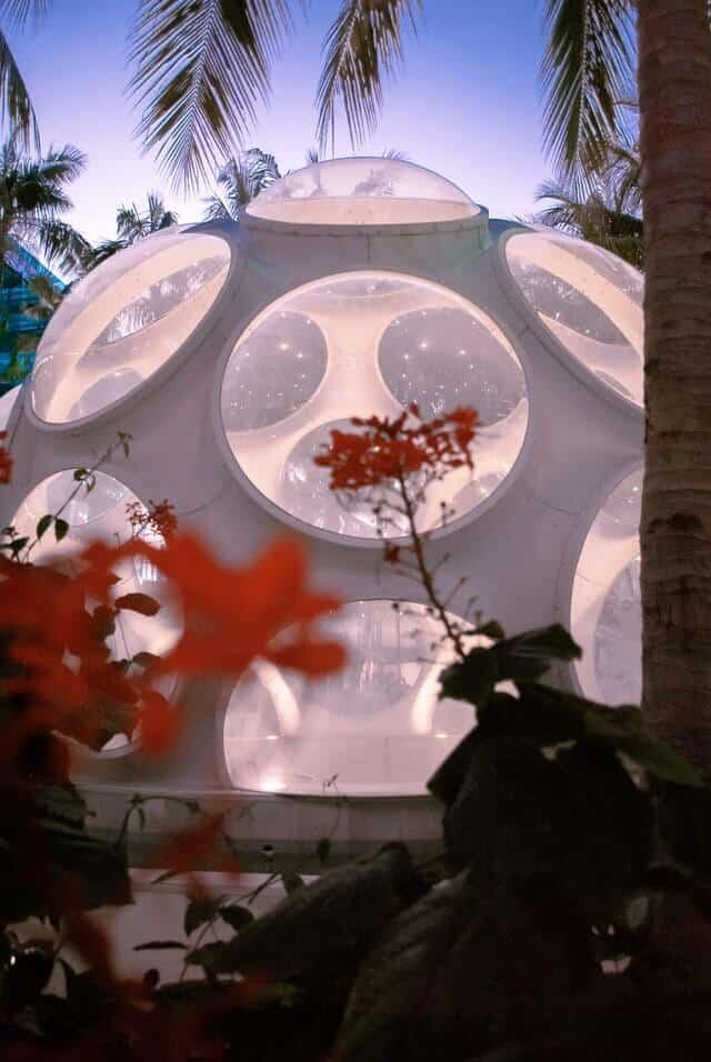 White bubble sculpture in Miami Design District