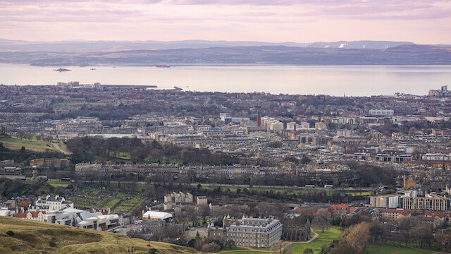 Free Things to Do in Edinbrurgh (View from Arthur's Seat Edinburgh)