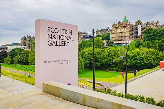 Scottish National Gallery entrance sign