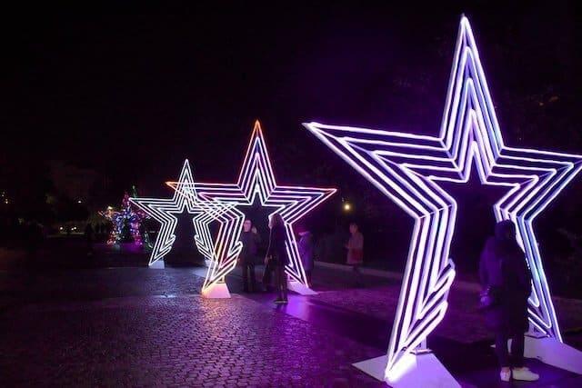Dionysiou Areopagitou star lights lit up at night
